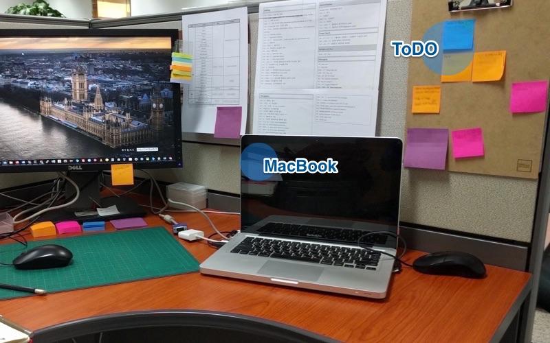 사무실 책상 컷.